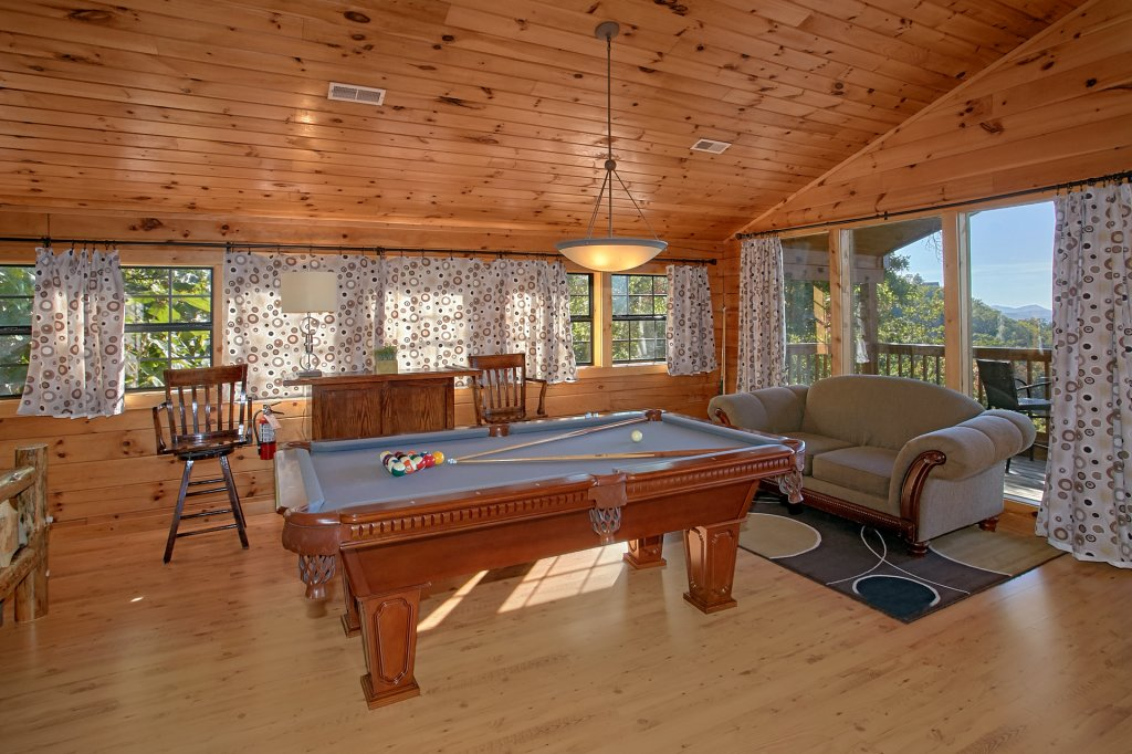 Photo of a Pigeon Forge Cabin named Morning View #131 - This is the forty-fourth photo in the set.