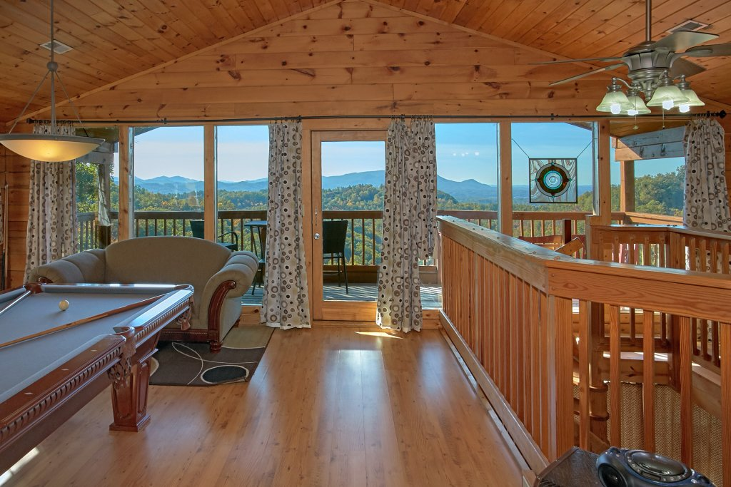 Photo of a Pigeon Forge Cabin named Morning View #131 - This is the sixty-first photo in the set.