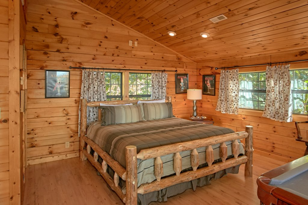 Photo of a Pigeon Forge Cabin named Morning View #131 - This is the sixtieth photo in the set.