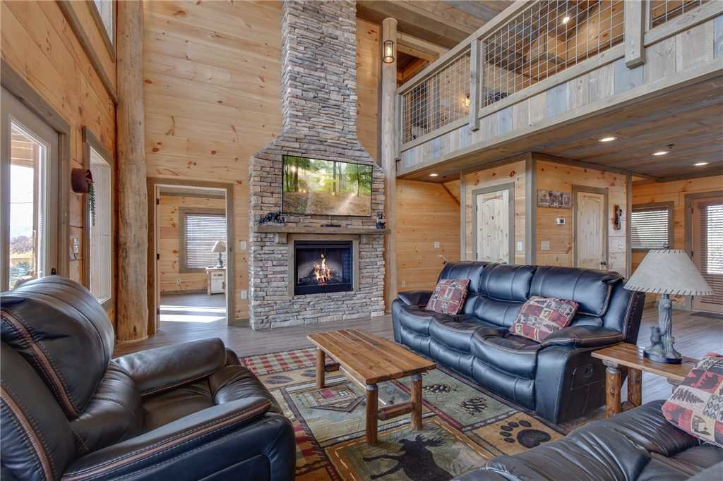 Photo of a Gatlinburg Cabin named Great Smoky Lodge - This is the seventh photo in the set.