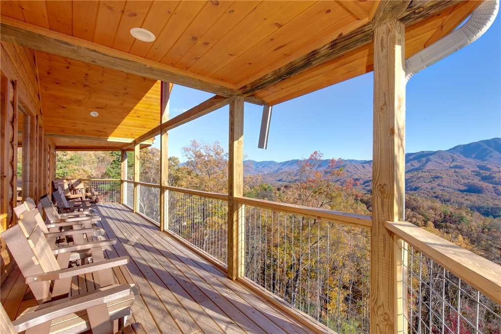 Photo of a Gatlinburg Cabin named Great Smoky Lodge - This is the forty-sixth photo in the set.