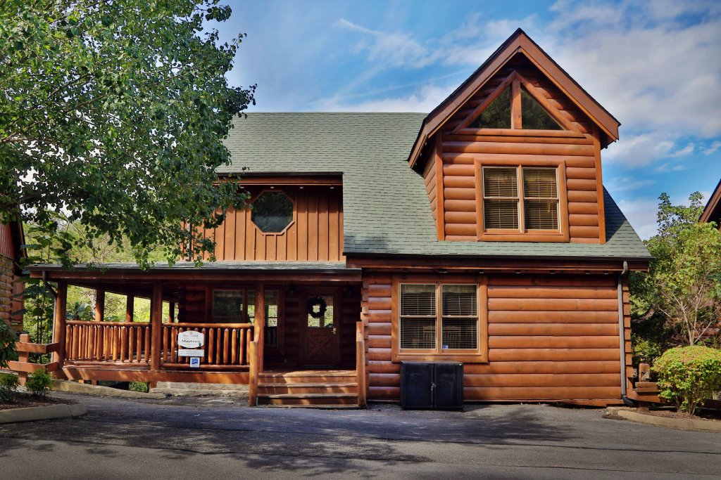 Photo of a Pigeon Forge Cabin named Mayberry - This is the first photo in the set.
