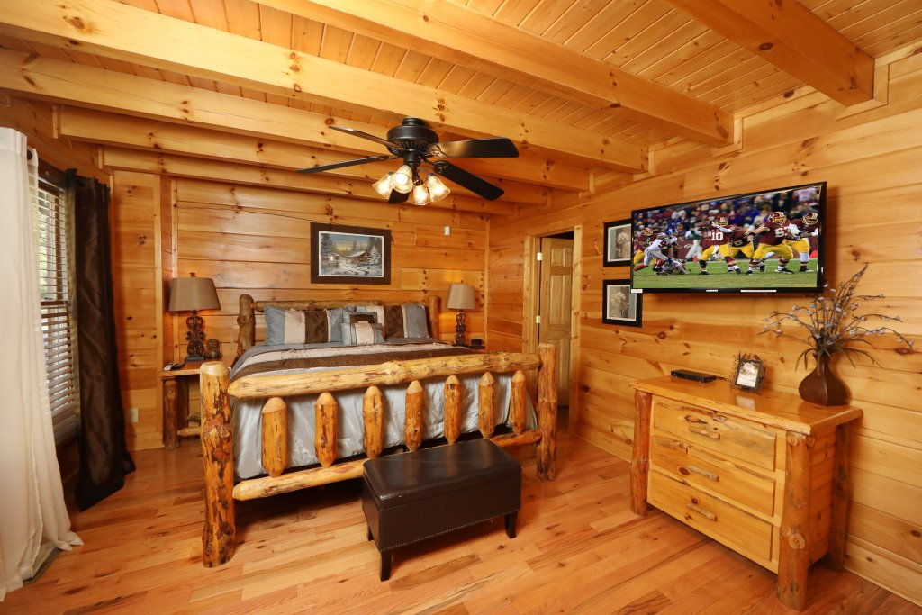Photo of a Pigeon Forge Cabin named Amazing Grace - This is the seventeenth photo in the set.