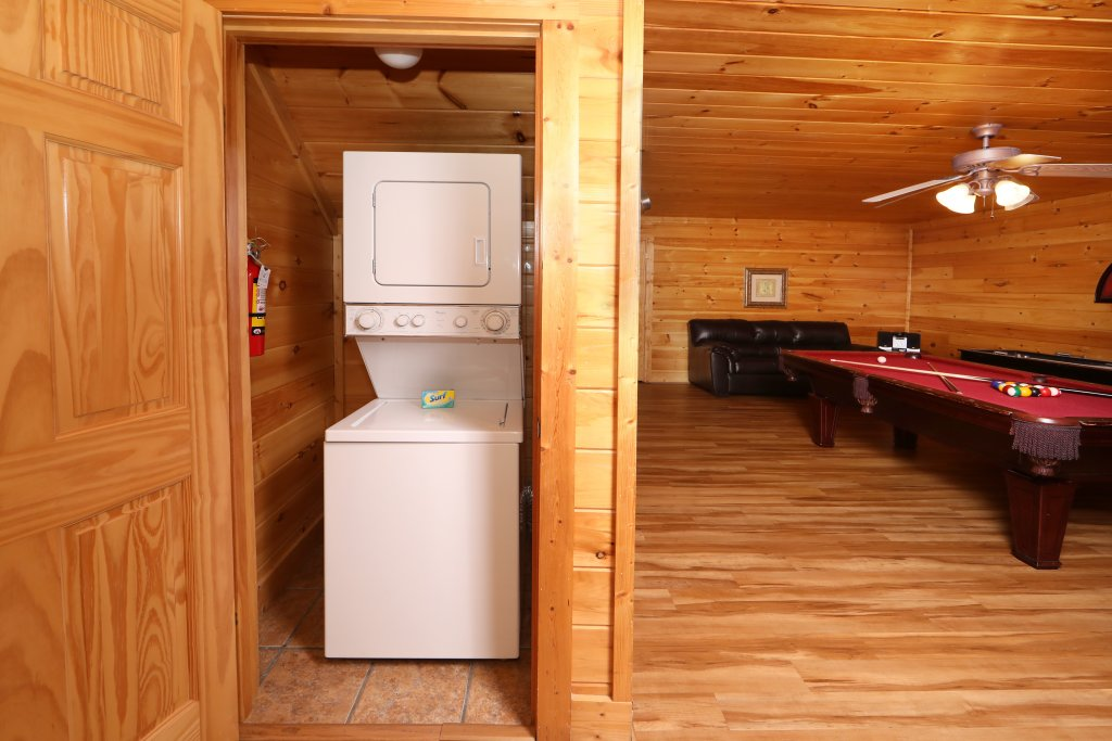 Photo of a Pigeon Forge Cabin named Mayberry - This is the thirtieth photo in the set.