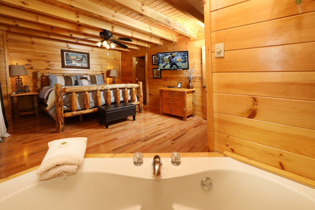 Photo of a Pigeon Forge Cabin named Amazing Grace - This is the eighteenth photo in the set.
