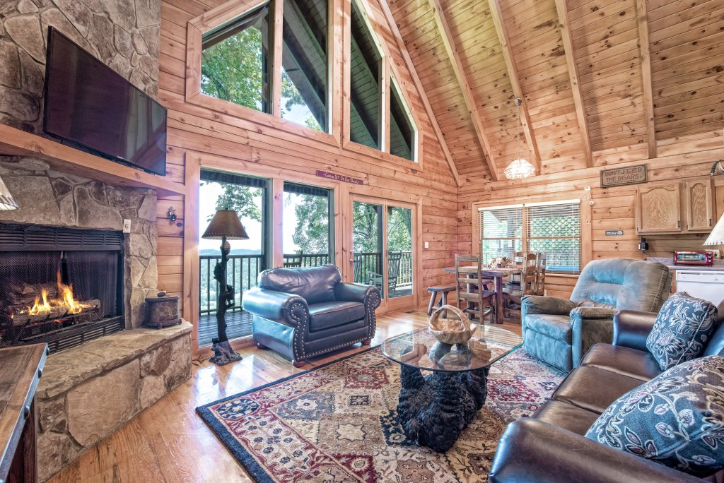 Photo of a Pigeon Forge Cabin named A Wild View Yonder #377 - This is the fifty-eighth photo in the set.