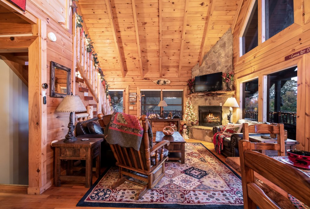 Photo of a Pigeon Forge Cabin named A Wild View Yonder #377 - This is the ninety-ninth photo in the set.