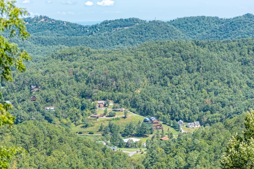 Photo of a Pigeon Forge Cabin named A Wild View Yonder #377 - This is the sixty-ninth photo in the set.