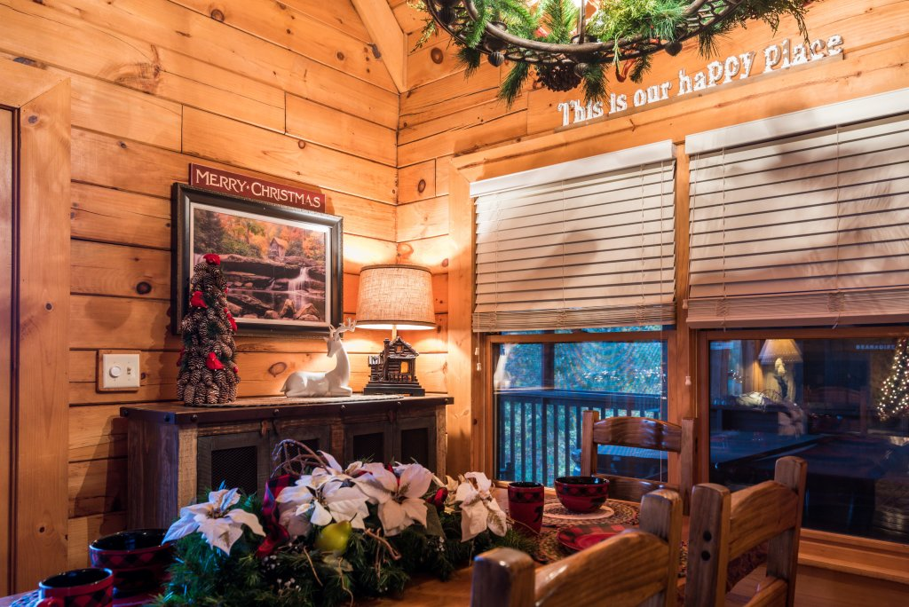Photo of a Pigeon Forge Cabin named A Wild View Yonder #377 - This is the one hundred and sixth photo in the set.