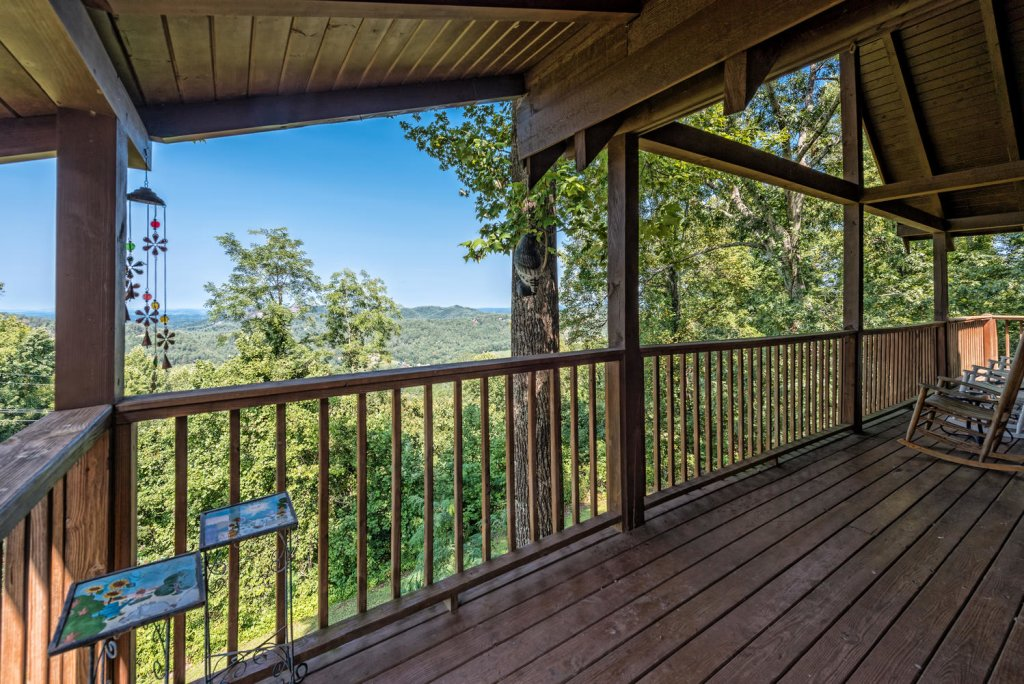 Photo of a Pigeon Forge Cabin named A Wild View Yonder #377 - This is the ninetieth photo in the set.