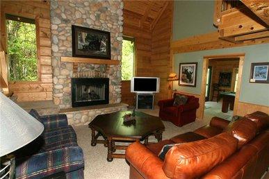 Big Bear 2, 5 Bedrooms, Pool Access, Hot Tub, Fireplace, Wifi, Sleeps 16