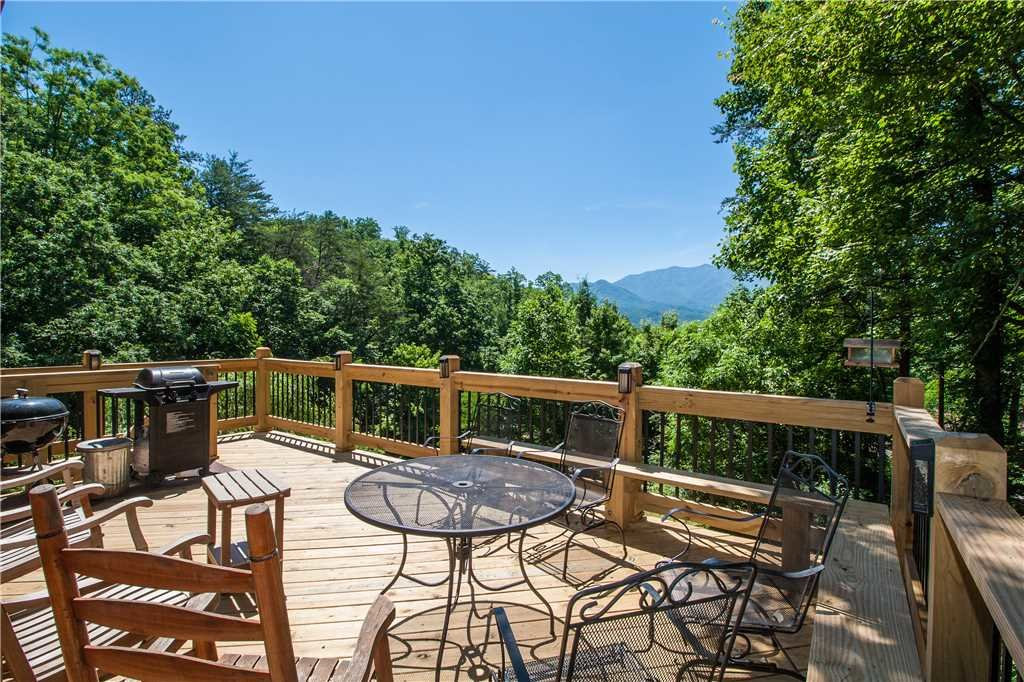 Photo of a Gatlinburg Cabin named Eagle's View 2 - This is the first photo in the set.