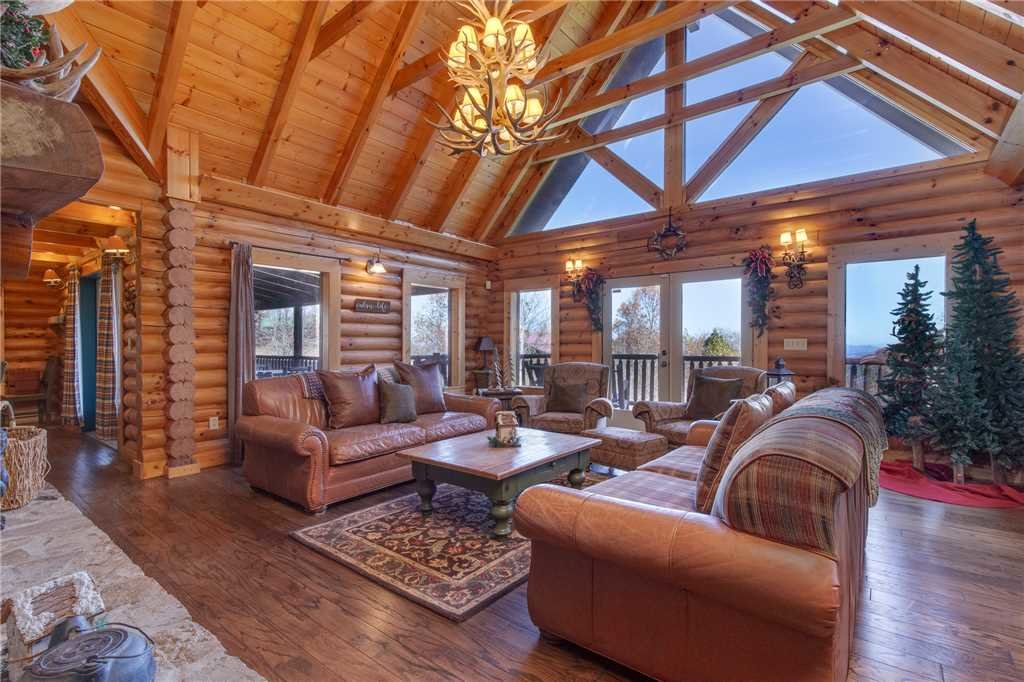 Photo of a Sevierville Cabin named Lookout Lodge - This is the first photo in the set.