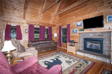 Bear Tracks, 2 Bedrooms, Hot Tub, Fireplace, Wifi, Jetted Tub, Sleeps 6