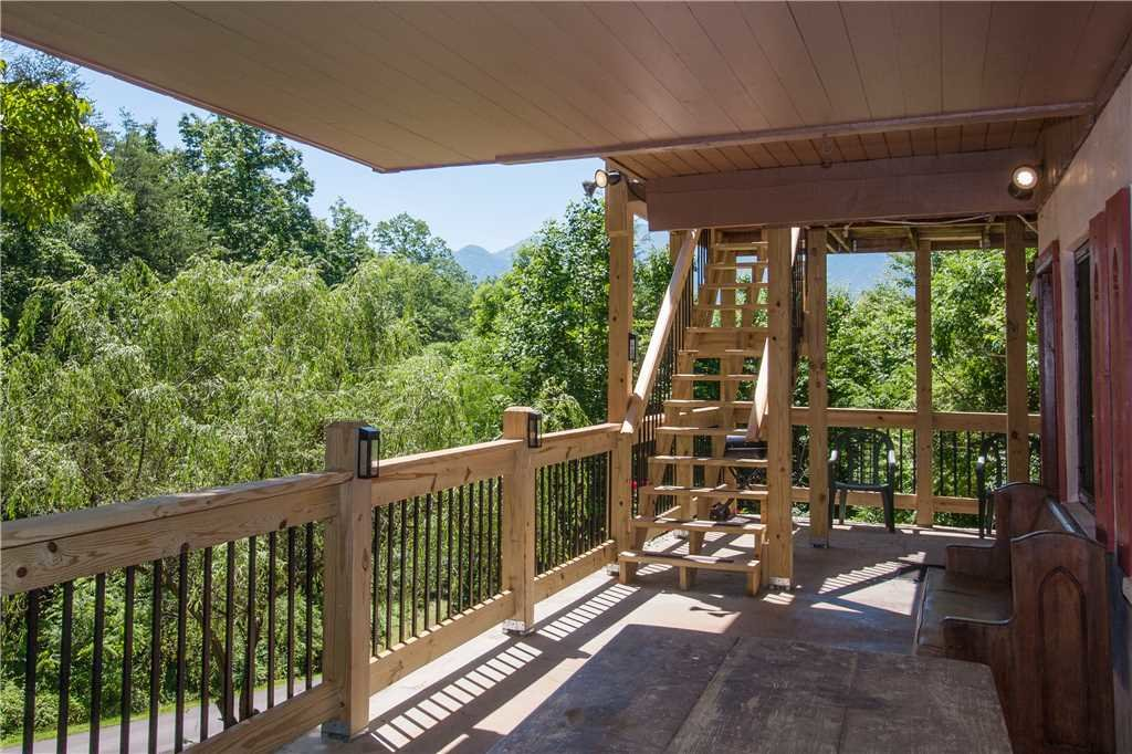 Photo of a Gatlinburg Cabin named Eagle's View 2 - This is the third photo in the set.