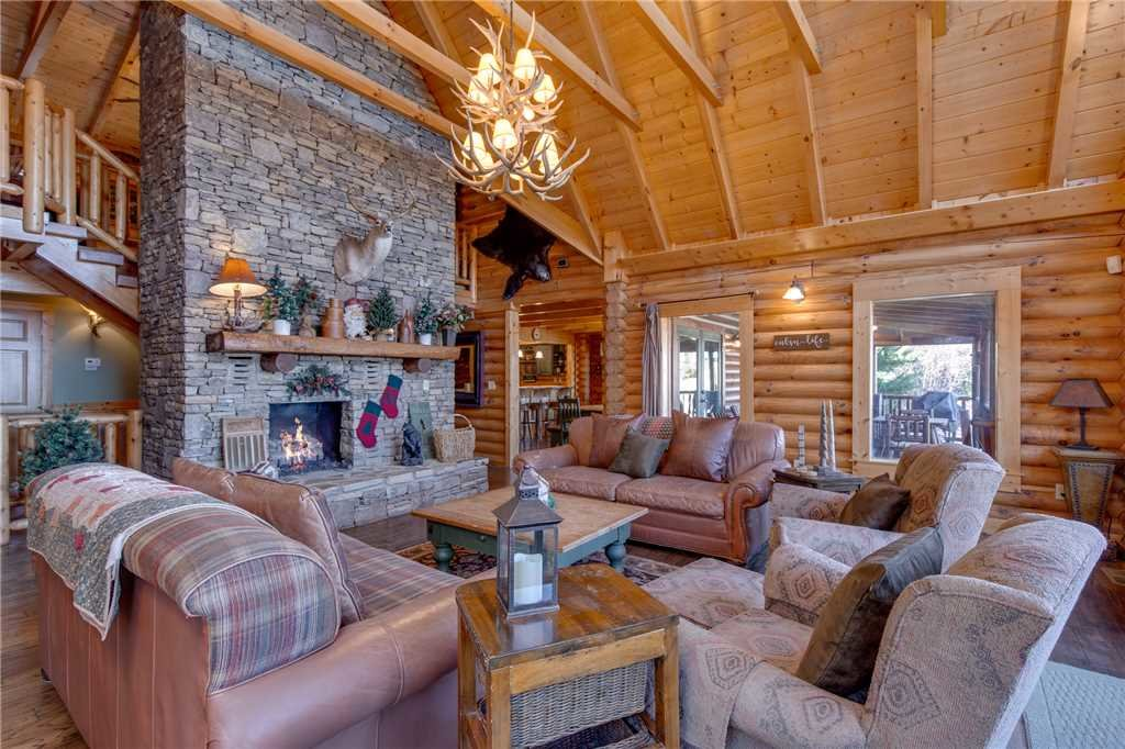 Photo of a Sevierville Cabin named Lookout Lodge - This is the fifth photo in the set.