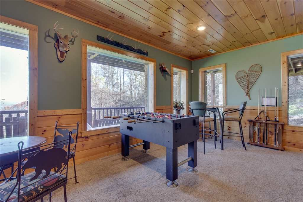 Photo of a Sevierville Cabin named Lookout Lodge - This is the fifteenth photo in the set.