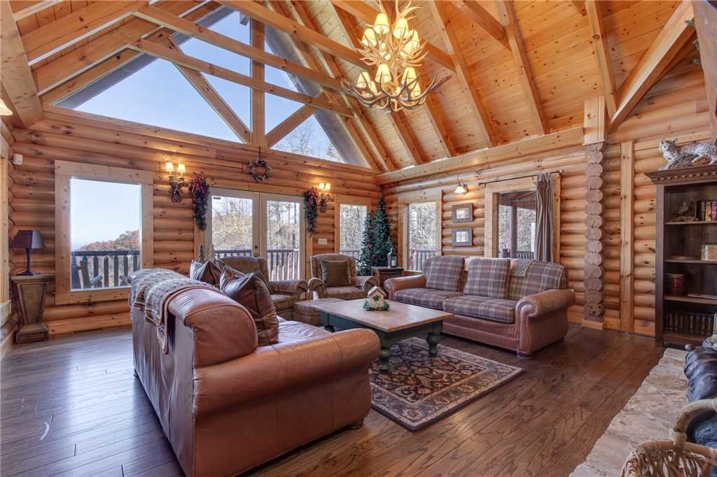 Photo of a Sevierville Cabin named Lookout Lodge - This is the fourth photo in the set.