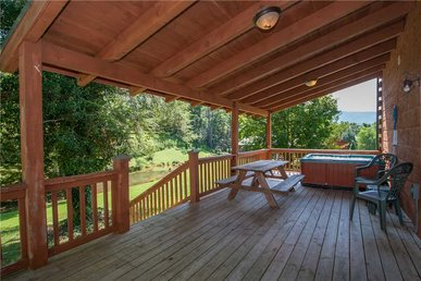 Spring View, 2 Bedrooms, Wifi, Hot Tub, Pool Table, Sleeps 6