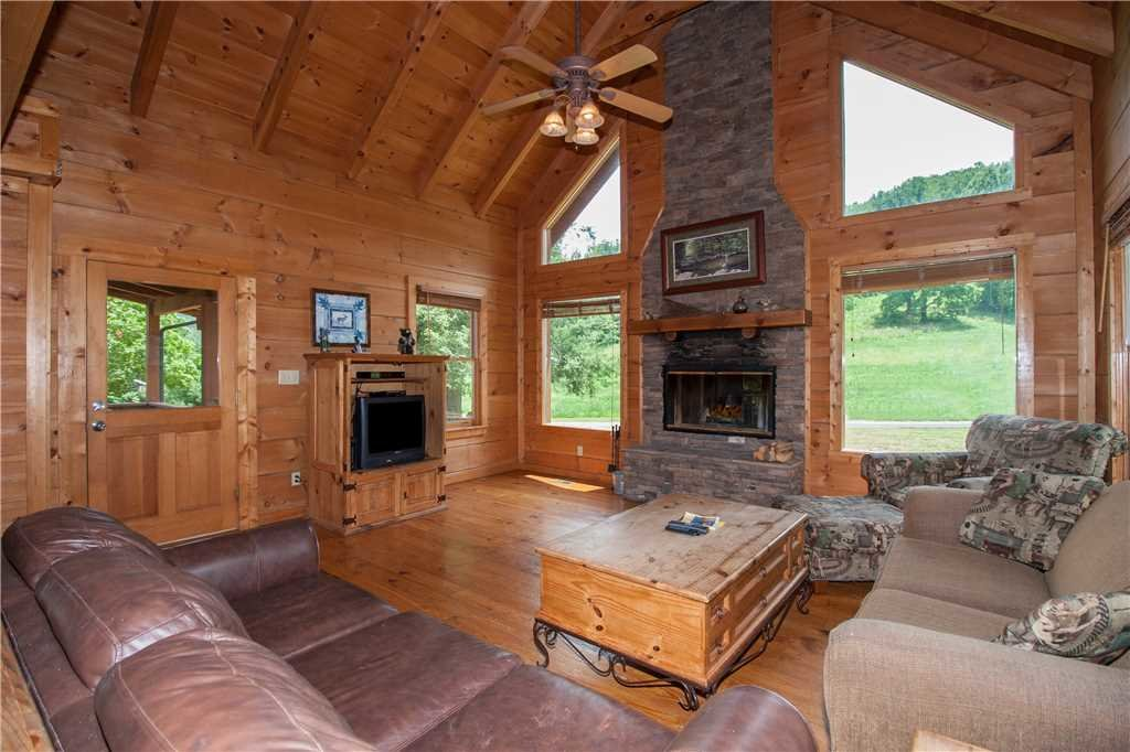 Photo of a Sevierville Cabin named Spring View - This is the third photo in the set.