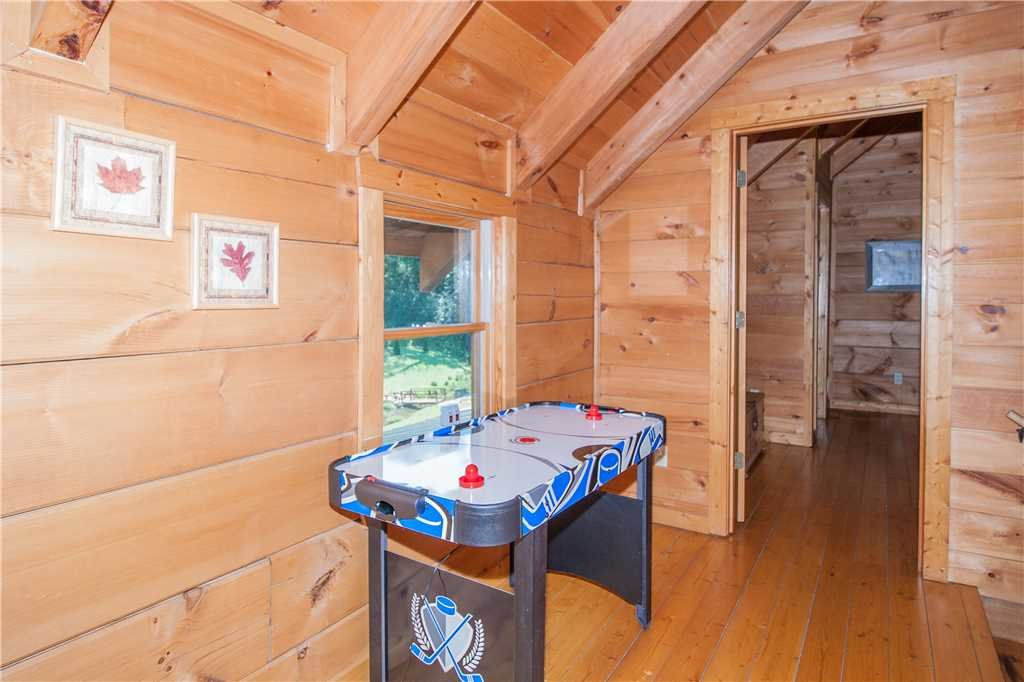 Photo of a Sevierville Cabin named Spring View - This is the eighth photo in the set.
