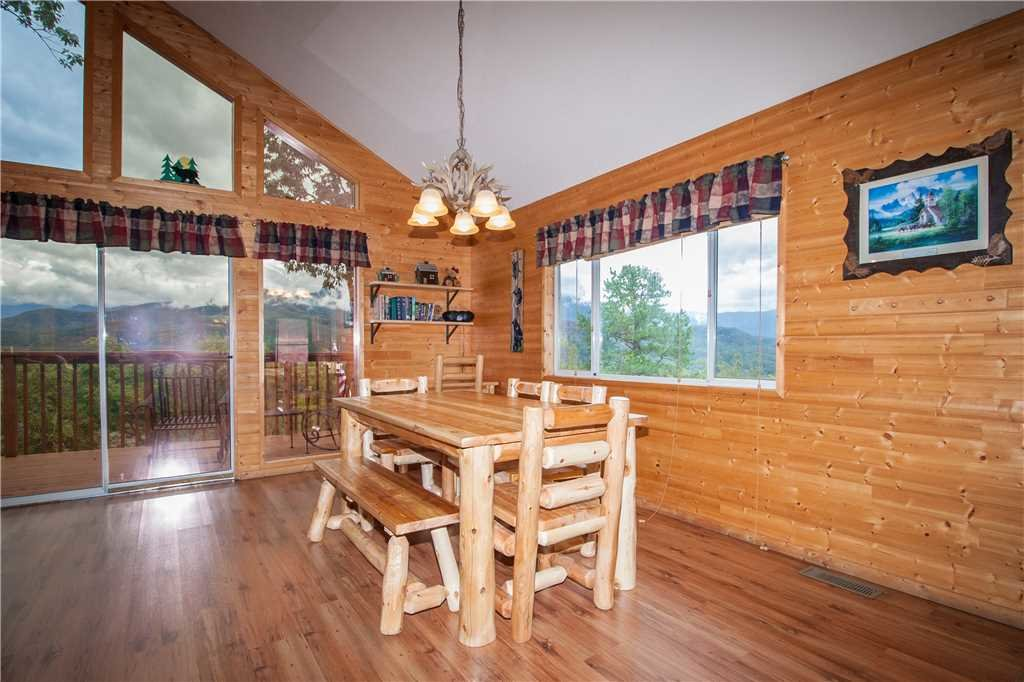 Photo of a Gatlinburg Cabin named Black Bear Lookout - This is the ninth photo in the set.