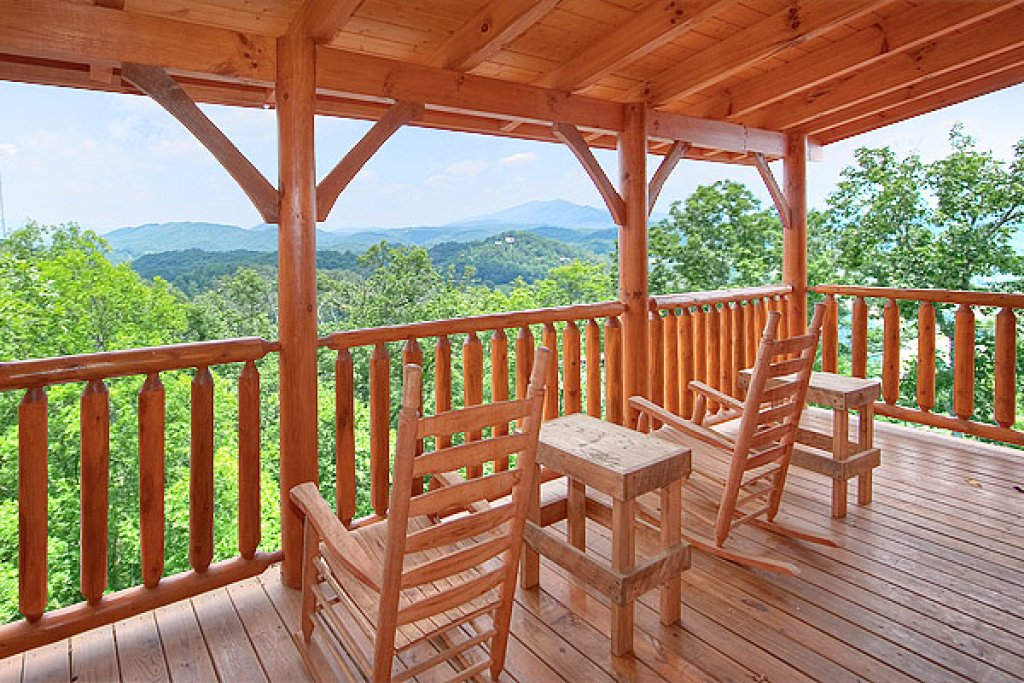 Photo of a Pigeon Forge Cabin named Southern Grace - This is the seventh photo in the set.