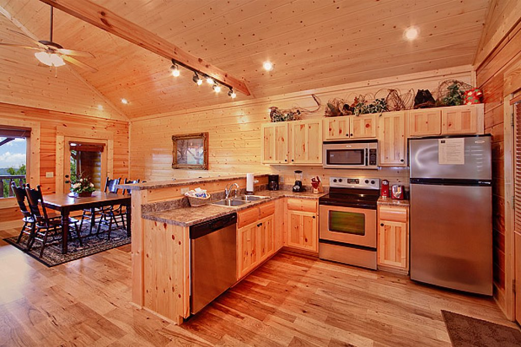 Photo of a Pigeon Forge Cabin named Mountain Mist - This is the fourth photo in the set.