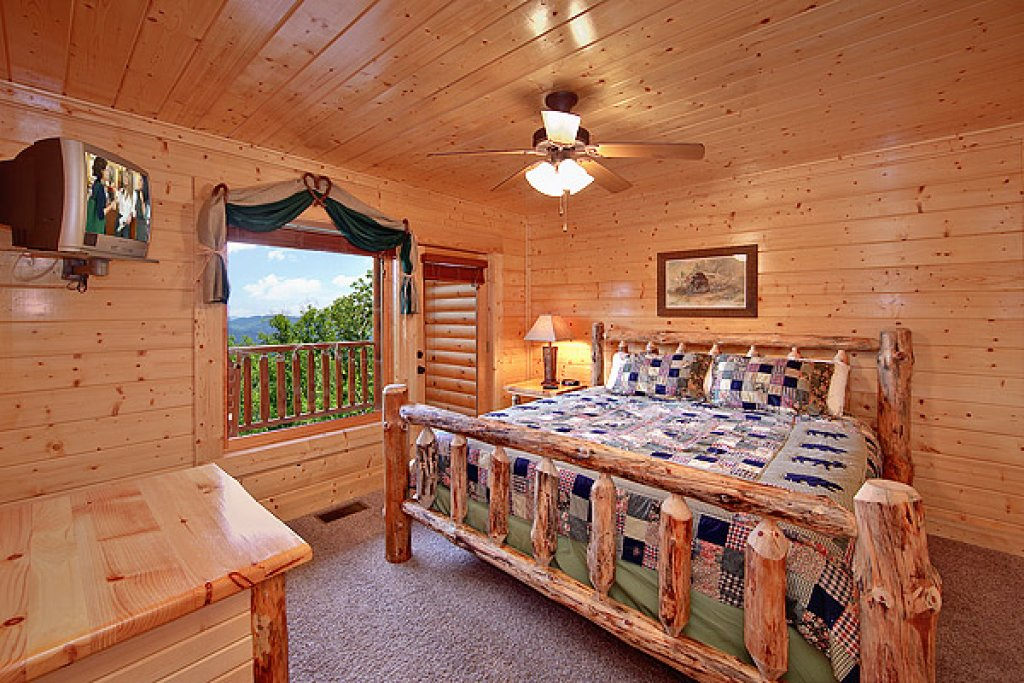 Photo of a Pigeon Forge Cabin named Mountain Mist - This is the sixth photo in the set.