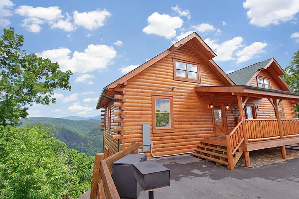 Photo of a Pigeon Forge Cabin named Mountain Mist - This is the ninth photo in the set.