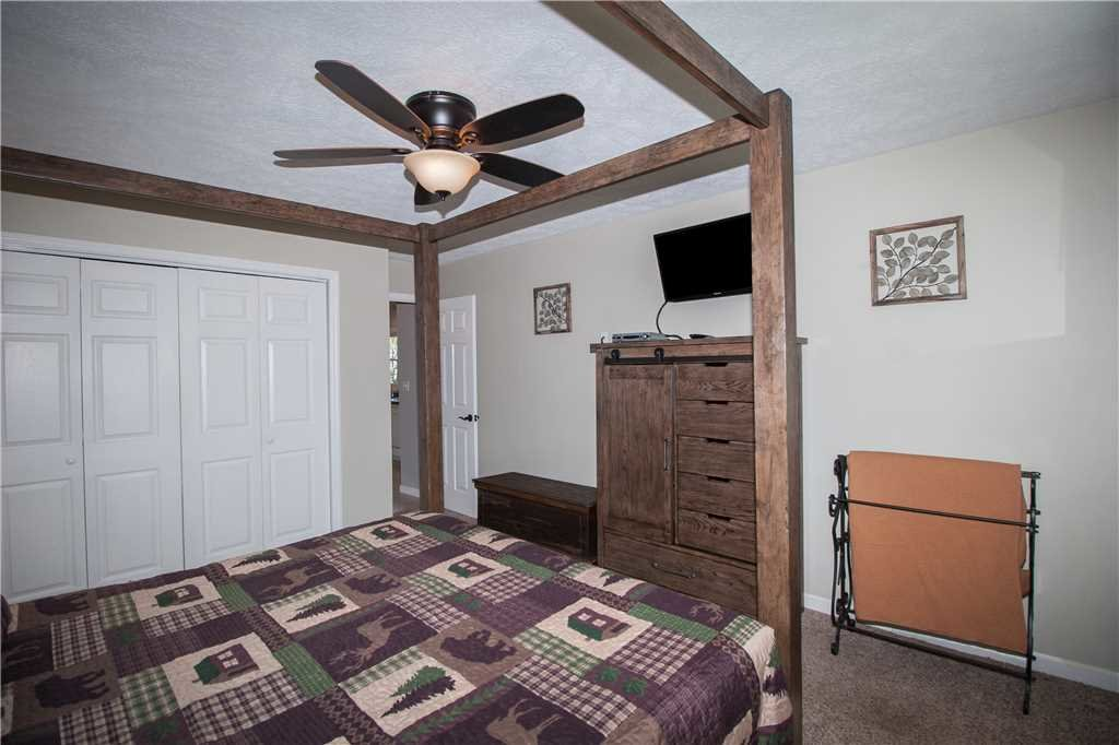 Photo of a Gatlinburg Cabin named Kickback Kabin - This is the twelfth photo in the set.