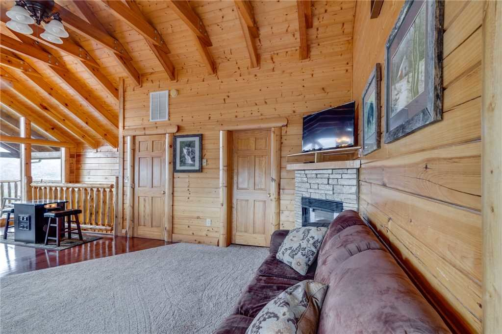 Photo of a Pigeon Forge Cabin named Beyond Expectations - This is the fifty-second photo in the set.