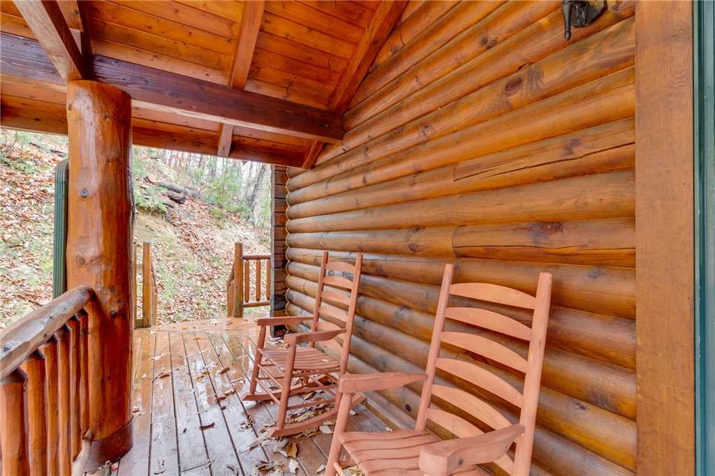 Photo of a Sevierville Cabin named Heavenly Homestead - This is the twentieth photo in the set.