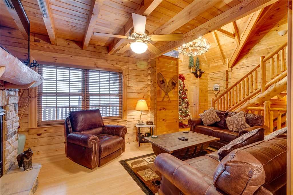 Photo of a Sevierville Cabin named Heavenly Homestead - This is the third photo in the set.