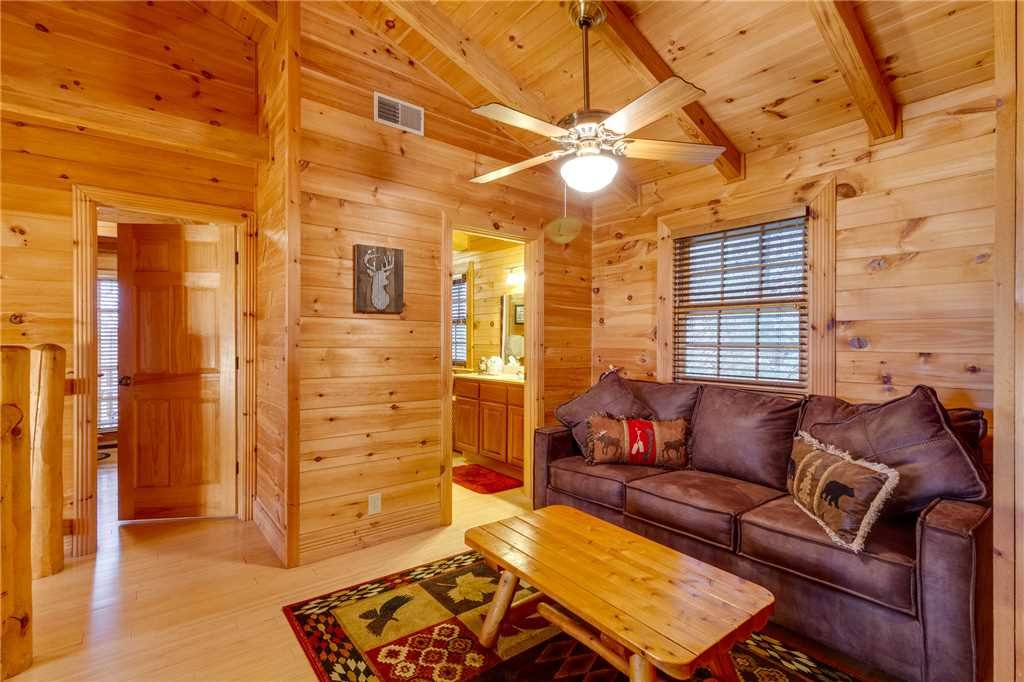 Photo of a Sevierville Cabin named Heavenly Homestead - This is the twenty-third photo in the set.