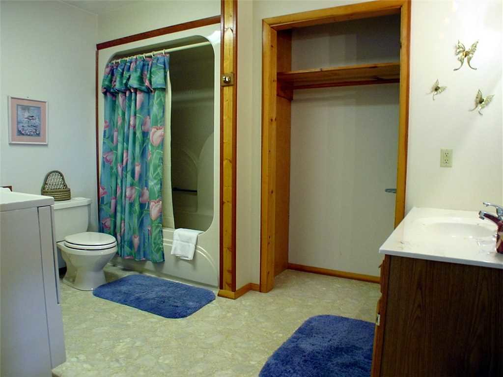 Photo of a Gatlinburg Cabin named Leconte View 2 - This is the fifth photo in the set.