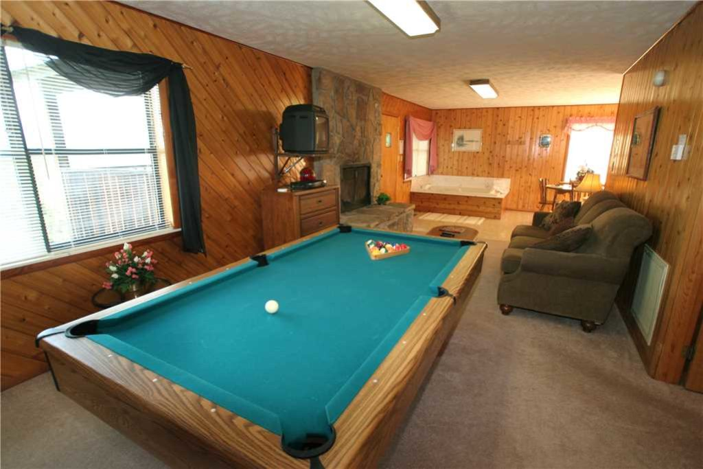 Photo of a Gatlinburg Cabin named Leconte View 2 - This is the third photo in the set.