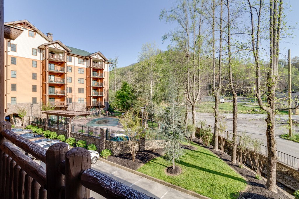 Photo of a Gatlinburg Condo named Baskins Creek 102 - This is the thirty-second photo in the set.