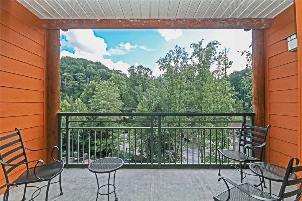 Photo of a Gatlinburg Condo named Baskins Creek 404 - This is the fourteenth photo in the set.