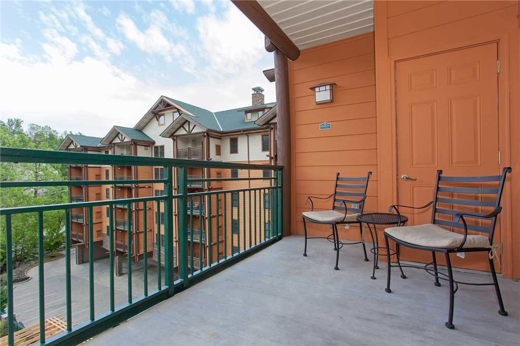 Photo of a Gatlinburg Condo named Baskins Creek 412 - This is the eighteenth photo in the set.