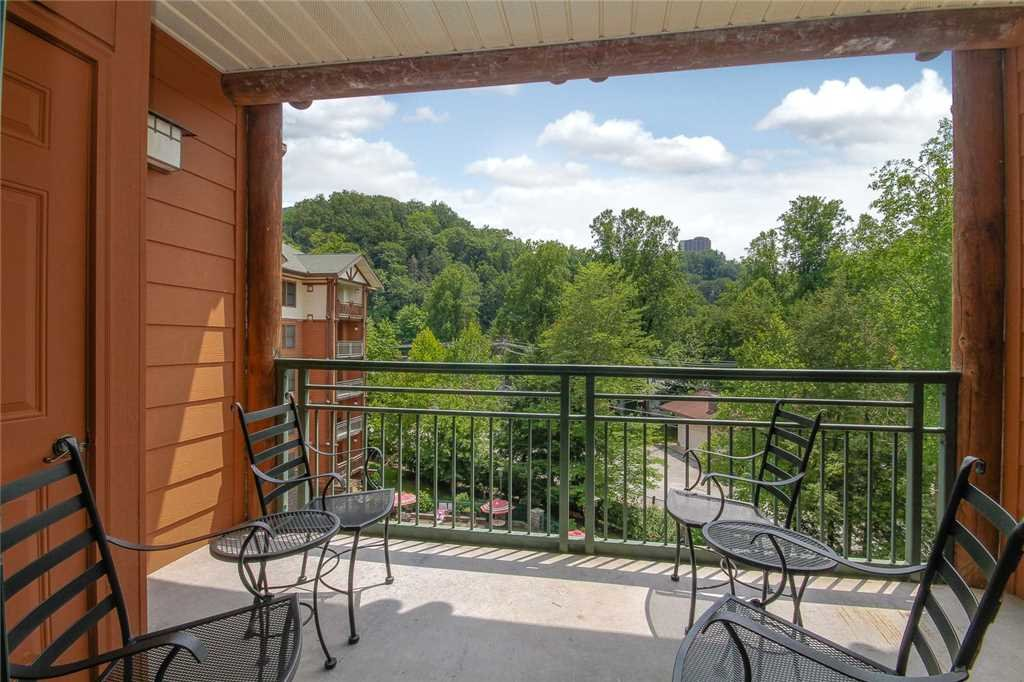 Photo of a Gatlinburg Condo named Baskins Creek 406 - This is the thirteenth photo in the set.