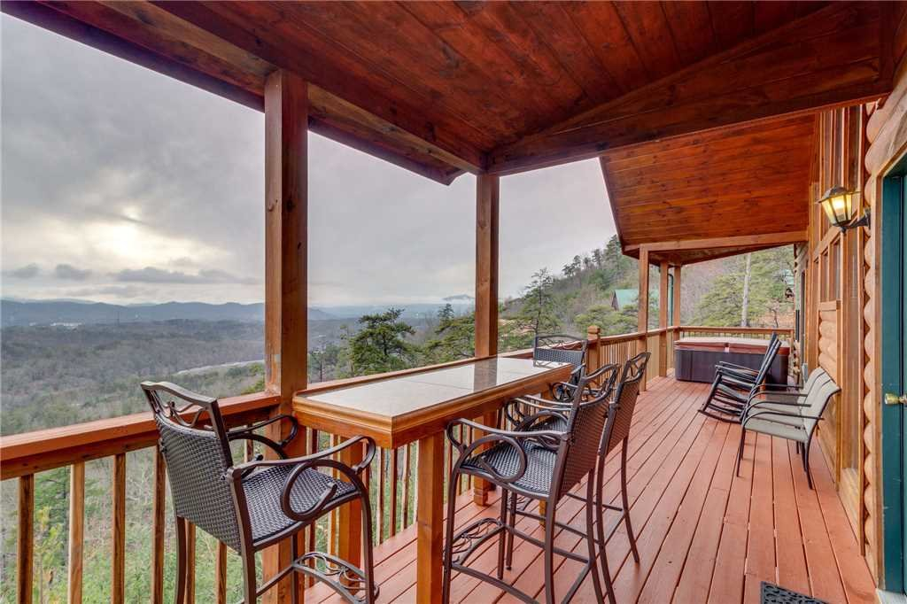 Photo of a Pigeon Forge Cabin named Peaceful View - This is the twenty-fifth photo in the set.
