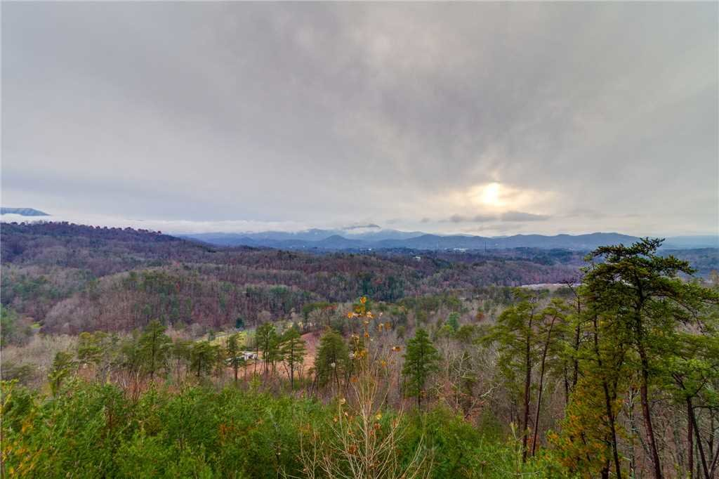 Photo of a Pigeon Forge Cabin named Peaceful View - This is the twenty-ninth photo in the set.