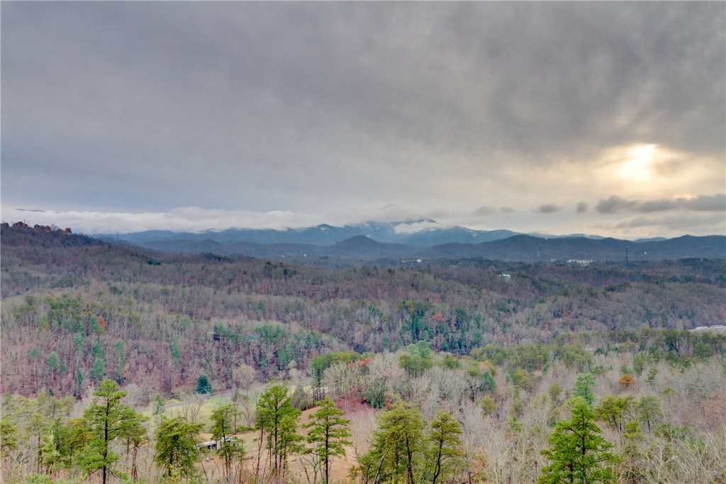 Photo of a Pigeon Forge Cabin named Peaceful View - This is the thirty-second photo in the set.