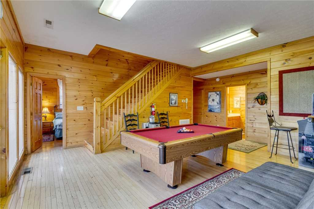 Photo of a Pigeon Forge Cabin named Peaceful View - This is the thirty-fifth photo in the set.