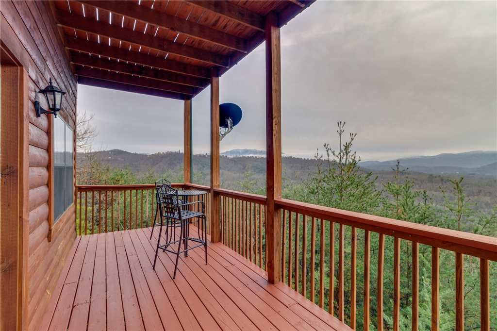 Photo of a Pigeon Forge Cabin named Peaceful View - This is the forty-ninth photo in the set.