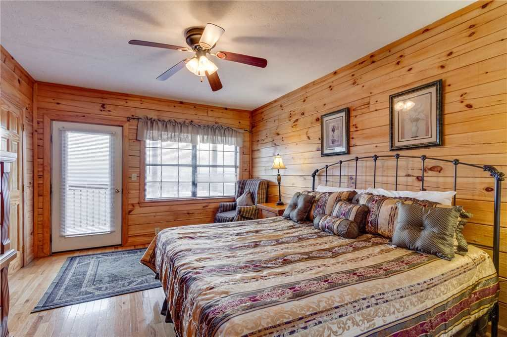Photo of a Pigeon Forge Cabin named Peaceful View - This is the nineteenth photo in the set.
