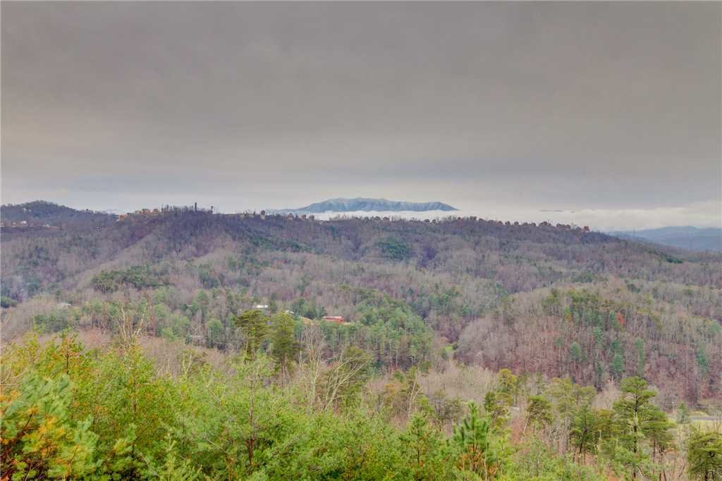 Photo of a Pigeon Forge Cabin named Peaceful View - This is the thirty-first photo in the set.