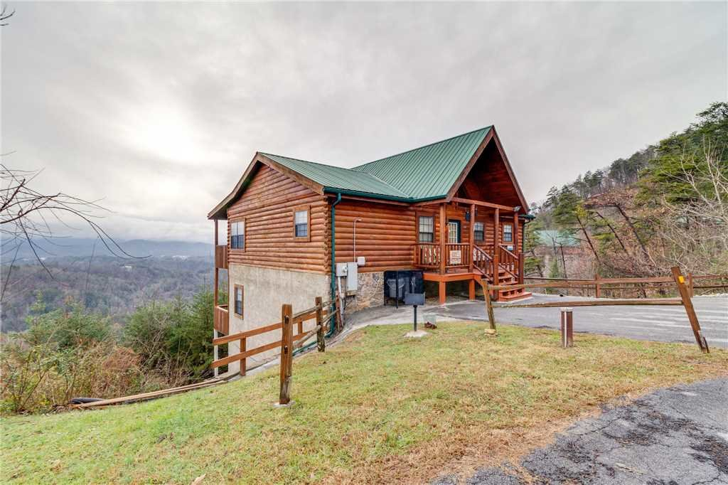 Photo of a Pigeon Forge Cabin named Peaceful View - This is the sixtieth photo in the set.