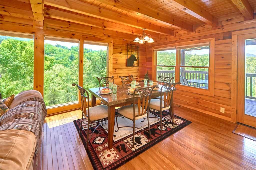 Photo of a Sevierville Cabin named Lookout Ridge - This is the sixth photo in the set.